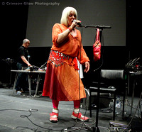 Throbbing Gristle : Sleazy & Genesis P-Orridge